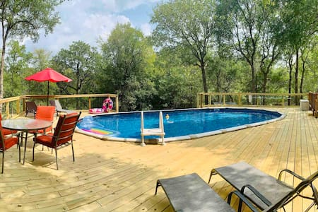 Private LOST PINES LOFT with POOL close to Austin!