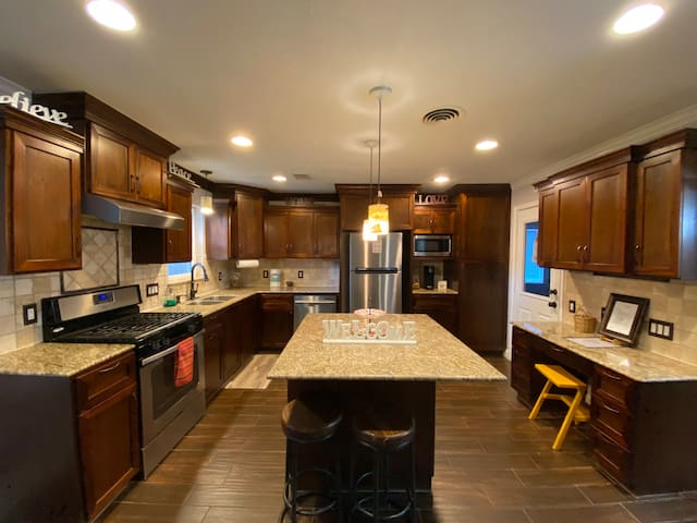 Entire Home Long Stay: Galleria/HBU/NRG/Central
