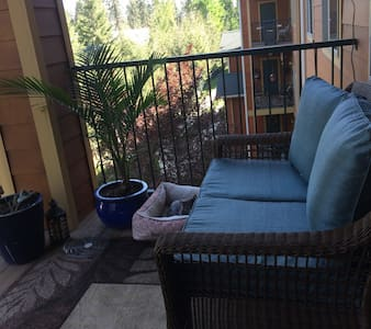 Cozy & Central in Coeur d'Alene w Private Bathroom