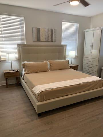 1 bedroom modern midtown gem