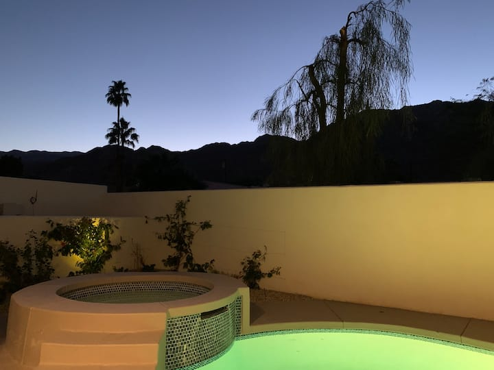 Amazing updated home with pool in La Quinta cove