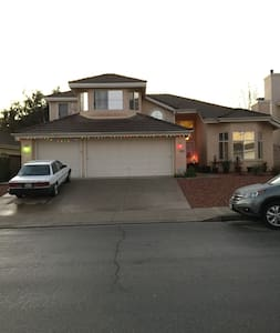 Christian Family room $695.00 month - Moorpark - Dom