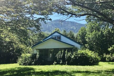 Creekside Celo Farmhouse