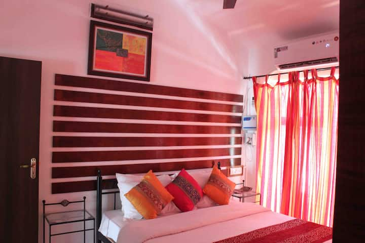 2BHK 'Casa Goa' - Candolim Beach Road