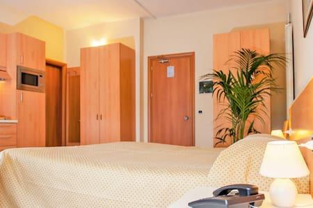 Appartamento Monolocale a pochi metri dal Raccordo - La Massimina-Casal Lumbroso
