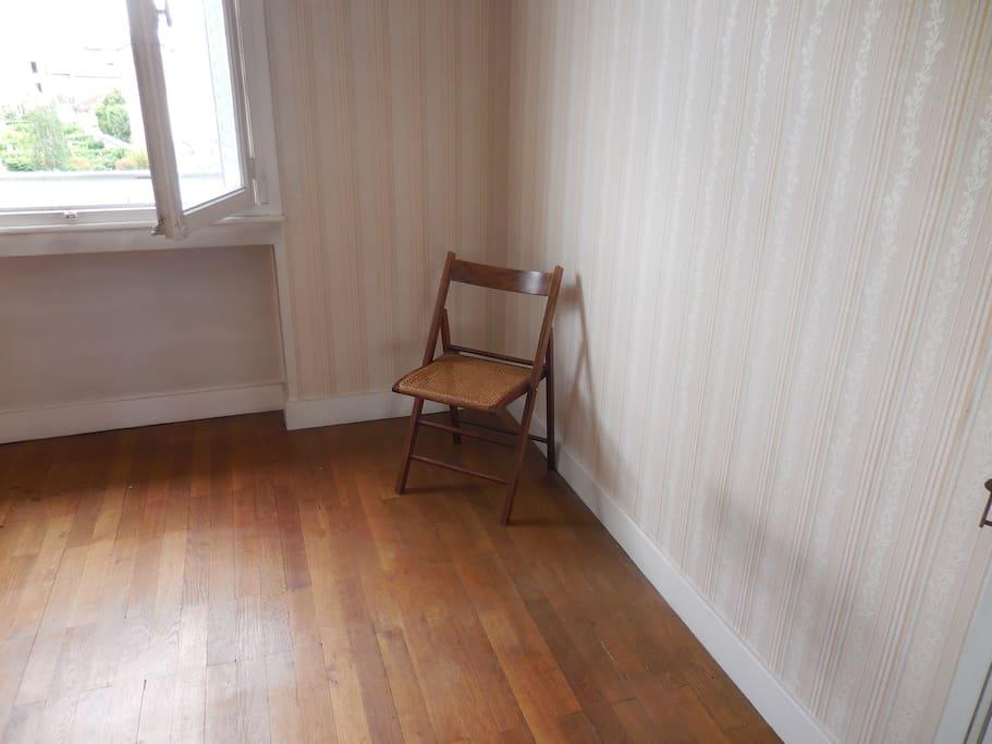 Chambre 1 un lit simple