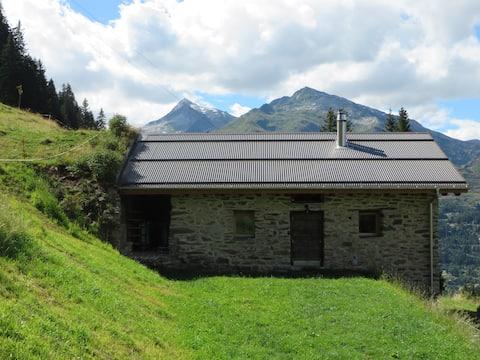 Baita Cucurei - Holidays in the Swiss Alps