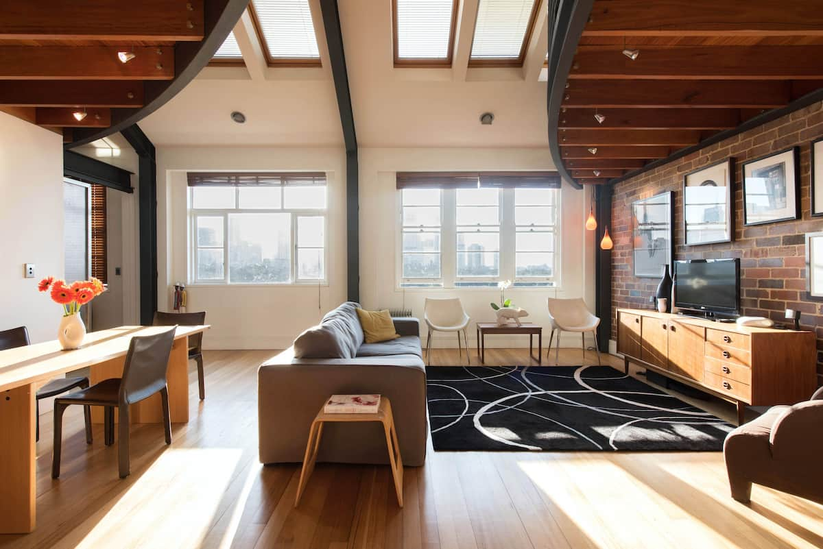 Sunny Loft Apartment with Opera House, Bridge & City Views