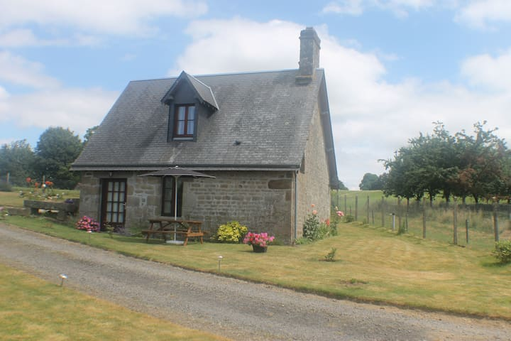 Romantic Cottage - Vire