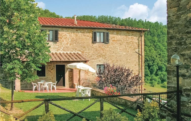 Semi-Detached with 3 bedrooms on 120m² in Dicomano FI