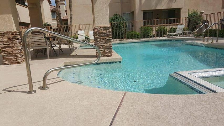 Old Town Scottsdale  Updated Condo