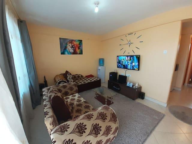 Spacious One Bedroom Apartment (Orange House)