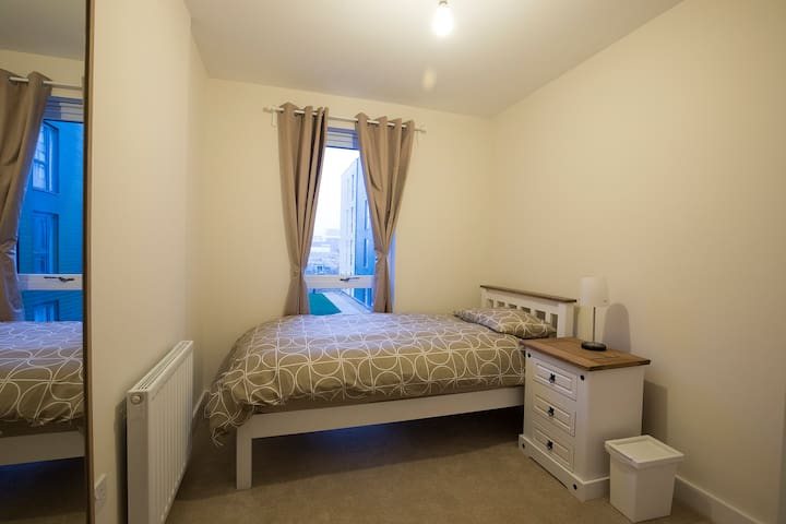 i. Brand New Single Bed Close to London Central - Edgware - Apartmen