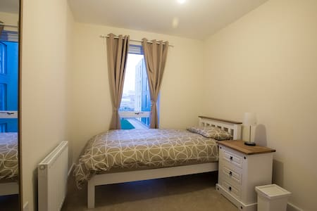 i. Brand New Single Bed Close to London Central - Edgware - Flat