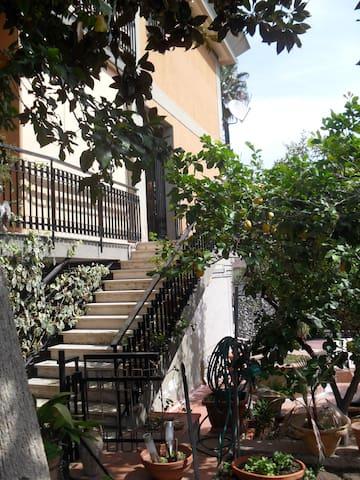 Appartamentino nel verde in città - คาตาเนีย - อพาร์ทเมนท์
