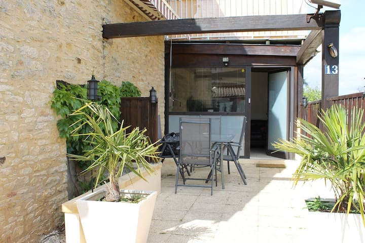 Appartement Type 3 dans résidence avec piscine - Saint-Geniès - Apartamento