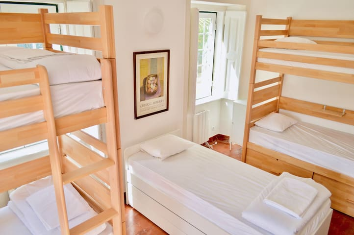 Mixed dormitory | 7 beds | 750m from the beach