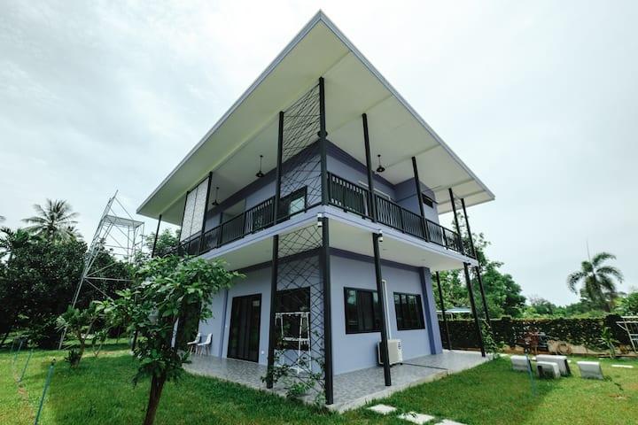 Saree Lagoon Luxury Room
