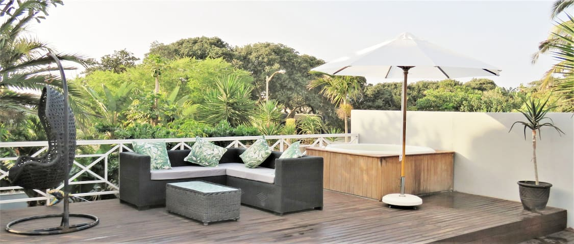 Luxury tropical beach villa* Umhlanga* Sleeps 8