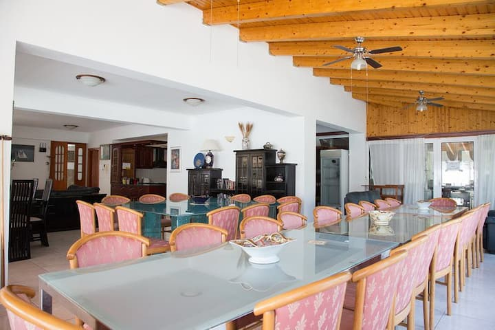 One of the biggest villas in Europe 21 bedrooms Near Athens
