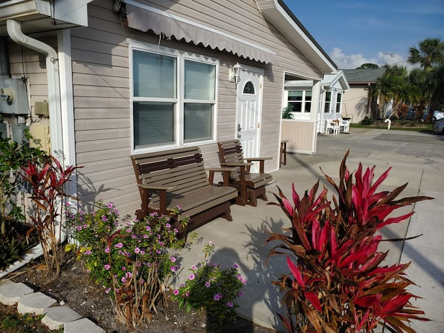 Sarasota Apartment for Two- 1bed/1bath