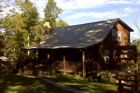 Doe Branch Mountain Retreat - 馬歇爾(Marshall)