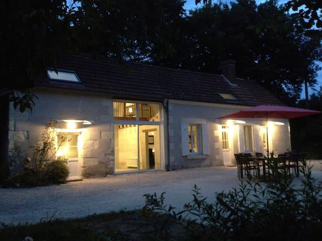 Longère entièrement restaurée - MONTHOU SUR CHER - Дом