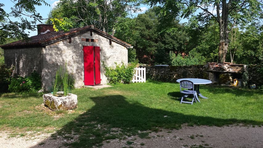 Le fournil  - Quissac - Bed & Breakfast