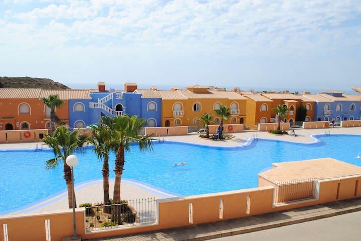 Beautiful spanish apartment - just SUN !! - El Poble Nou de Benitatxell - Departamento