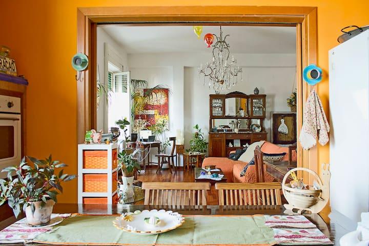 PRIVATE ROOM IN TOWNHOUSE CAMERA VESUVIO