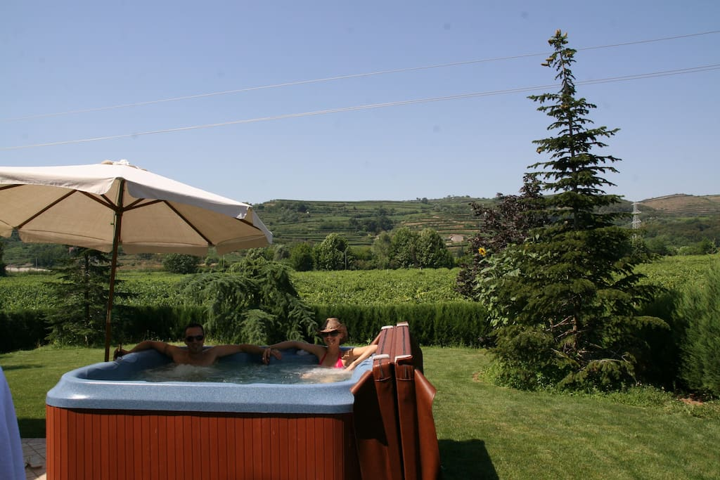 4 places Jacuzzi on the terrace