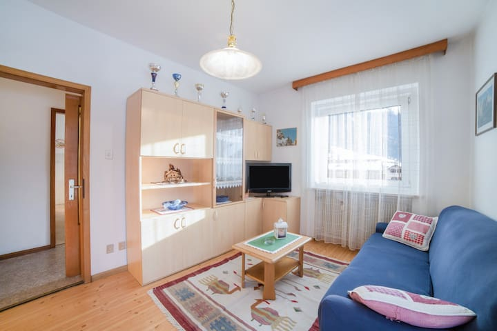 """Cosy Apartment """"Casa Defrancesco - with terrace"""" (CIPAT number: 022118-AT-056727) with Wi-Fi & Terrace; Parking Available, Pets Allowed"""