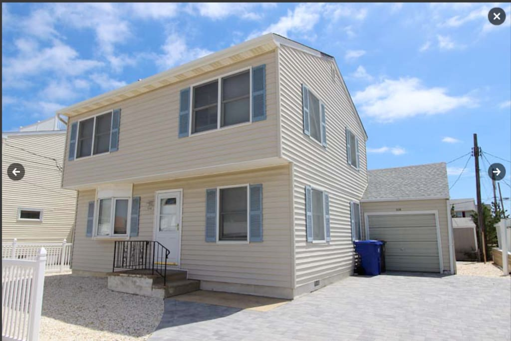 Awesome 5 Bedroom Home 1 Block From The Beach Houses For Rent In Lavallette New Jersey