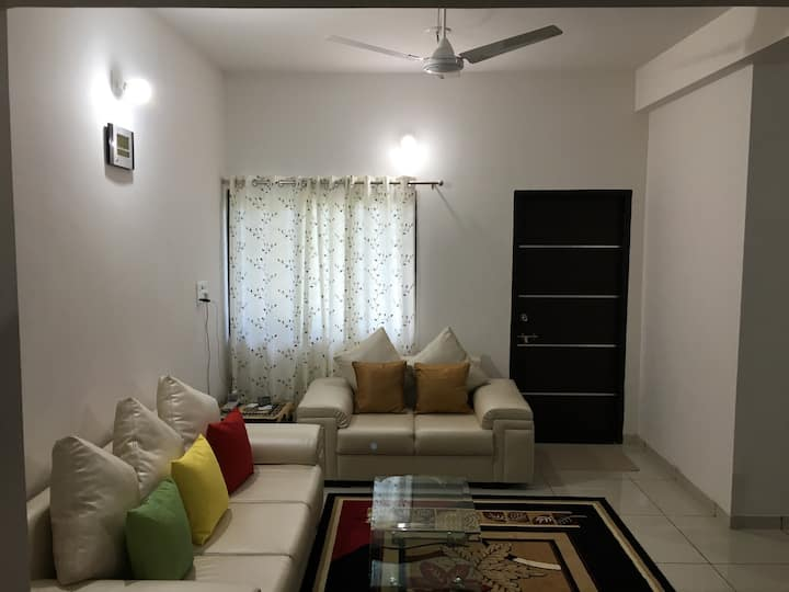 Satvam 2-2BR Fully Equipped Vacation Home-Vadodara