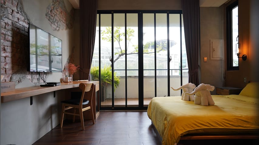 (303房)TaichungCity台中工業風巷弄老宅近向上市場、審計新村、綠光計劃、勤美草悟道商圈