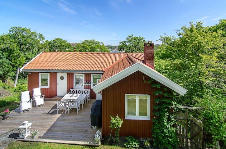 Nydelig svensk sommarstuga på Hamburgö
