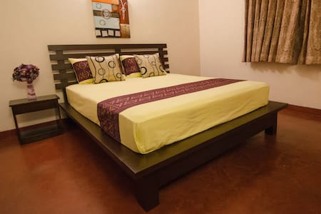Stay in Colombo with Travel Writers