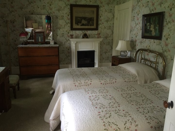 F - Nana's Room in the Farmhouse at Millstone Hill