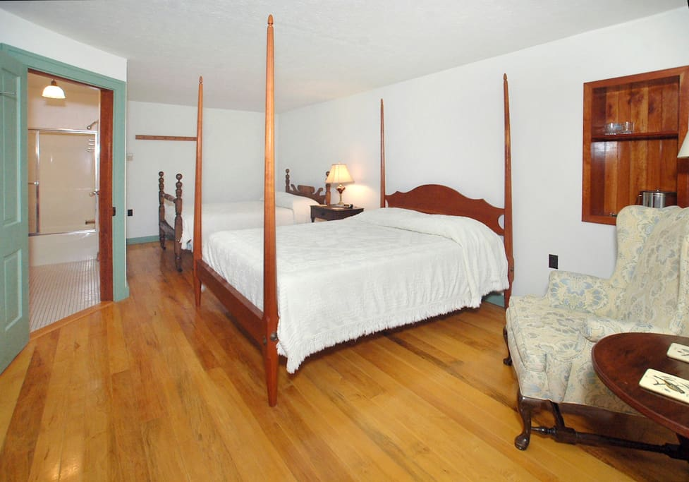 This room is perfect for couples traveling together or young adults exploring the Laurel Highlands.