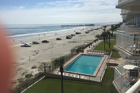 Beach paradise - Daytona Beach Shores