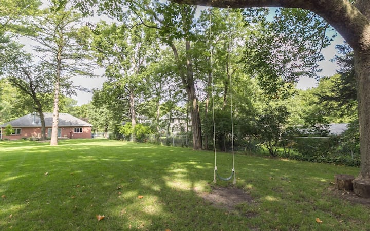One Story Home in South Campus Town- Walk to ISU