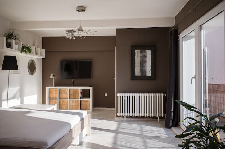 Bright flat with terrace nearby Prague castle