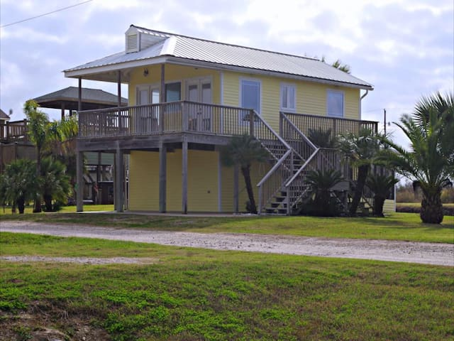 Skinny Water Cottage in Matagorda Texas