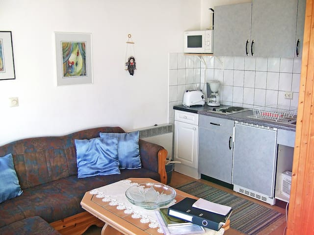 2-room bungalow 25 m² Zadelsdorf for 2 persons - Zeulenroda - House
