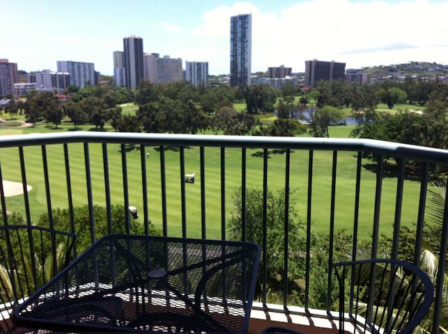 Cozy 2 Bedroom Condo with parking - Honolulu - Lägenhet