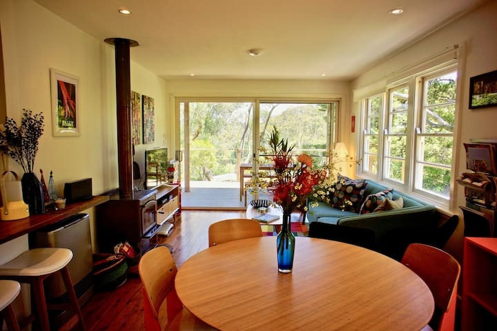 Katoomba Falls Cottage - Family and Pet Friendly