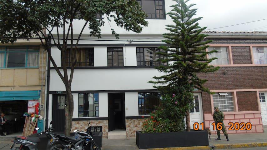 Habitacion para 1 o 2 personas (2)