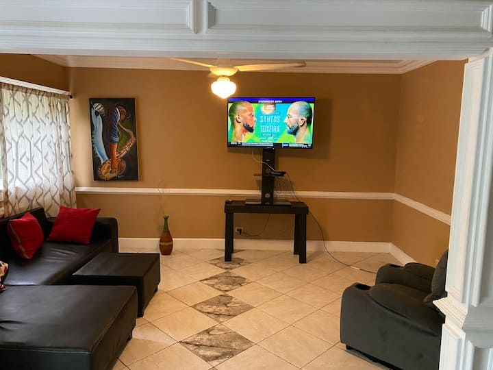 Guest friendly 2 Bed, 2 bath apartment with WIFI.