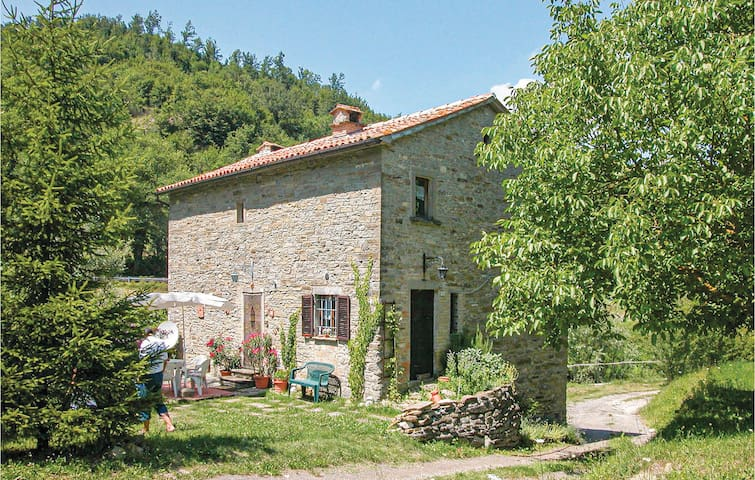 Holiday cottage with 4 bedrooms on 150m² in Borgo Pace PU