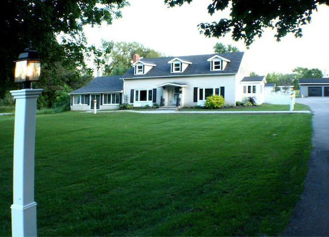 Noxon House - Bloomfield